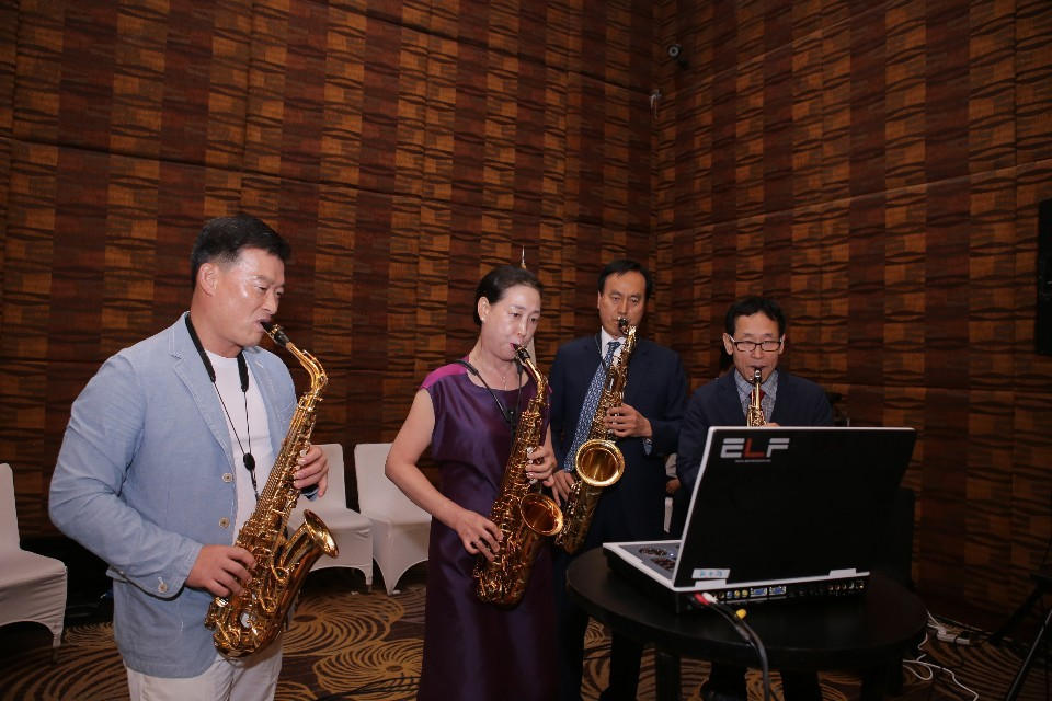 Koreans saxophone group with Spouses Dr. Hwang Soo Yeon and Dra. Kim, Myoung Hee